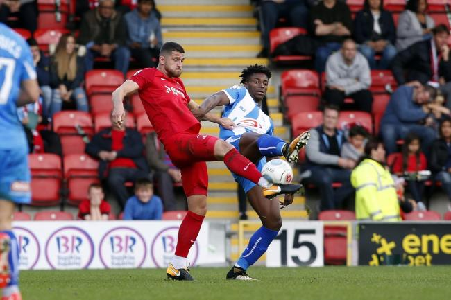 Jamie Sendles-White, left, in action for Orient. Picture: Simon O'Connor Photography