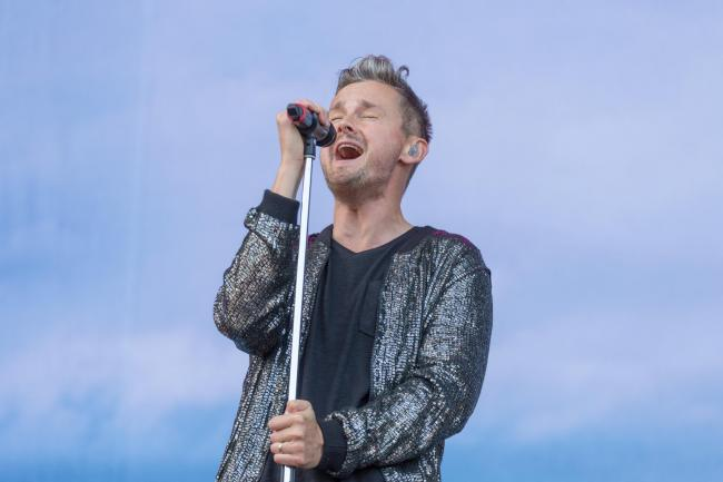 NEWPORT, ISLE OF WIGHT - JUNE 10:  Tom Chaplin, the vocalist of Keane, performs a solo set on day 3 of The Isle of Wight festival at Seaclose Park on June 10, 2017 in Newport, Isle of Wight.  (Photo by Rob Ball/WireImage).