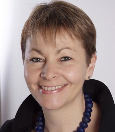 Caroline Lucas set to see if Brighton currency idea is sound as a pound