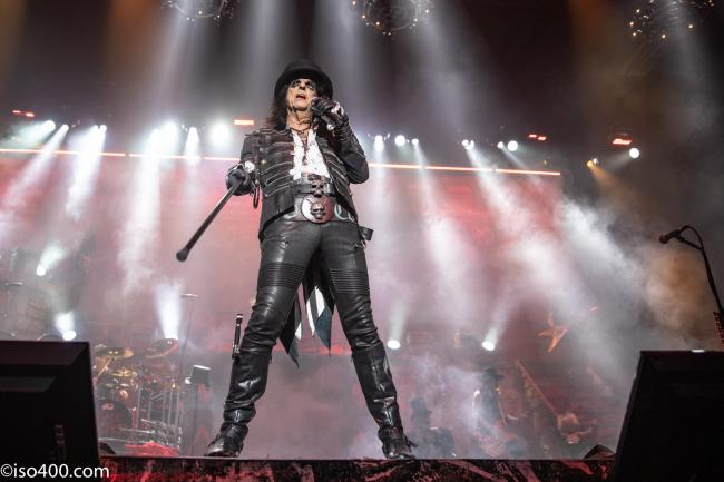 Alice Cooper brings his shock rock show to the Brighton Centre photo: Mike Burnell