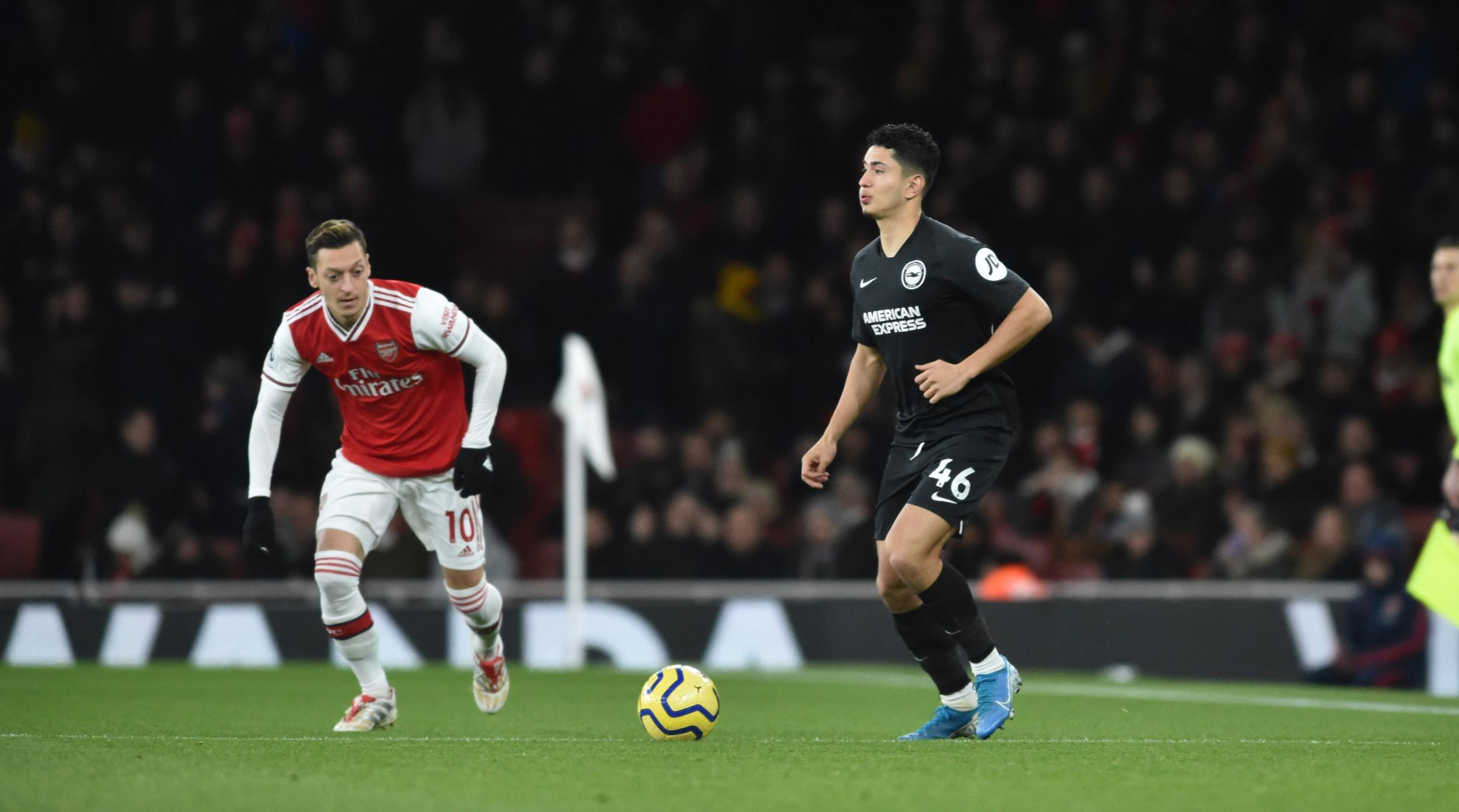 Steven Alzate was asked to attack behind Mesut Ozil at Arsenal