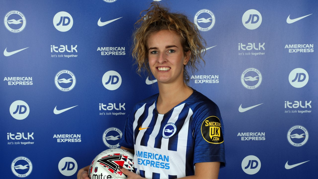 Albion sign Reading winger on loan