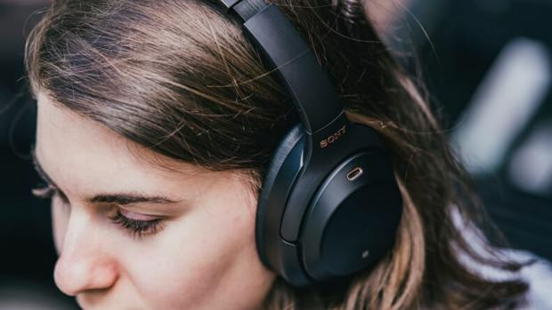 The Argus: Drown out unwanted noises with noise-cancelling headphones. (Photo: Reviewed / Jackson Ruckar)