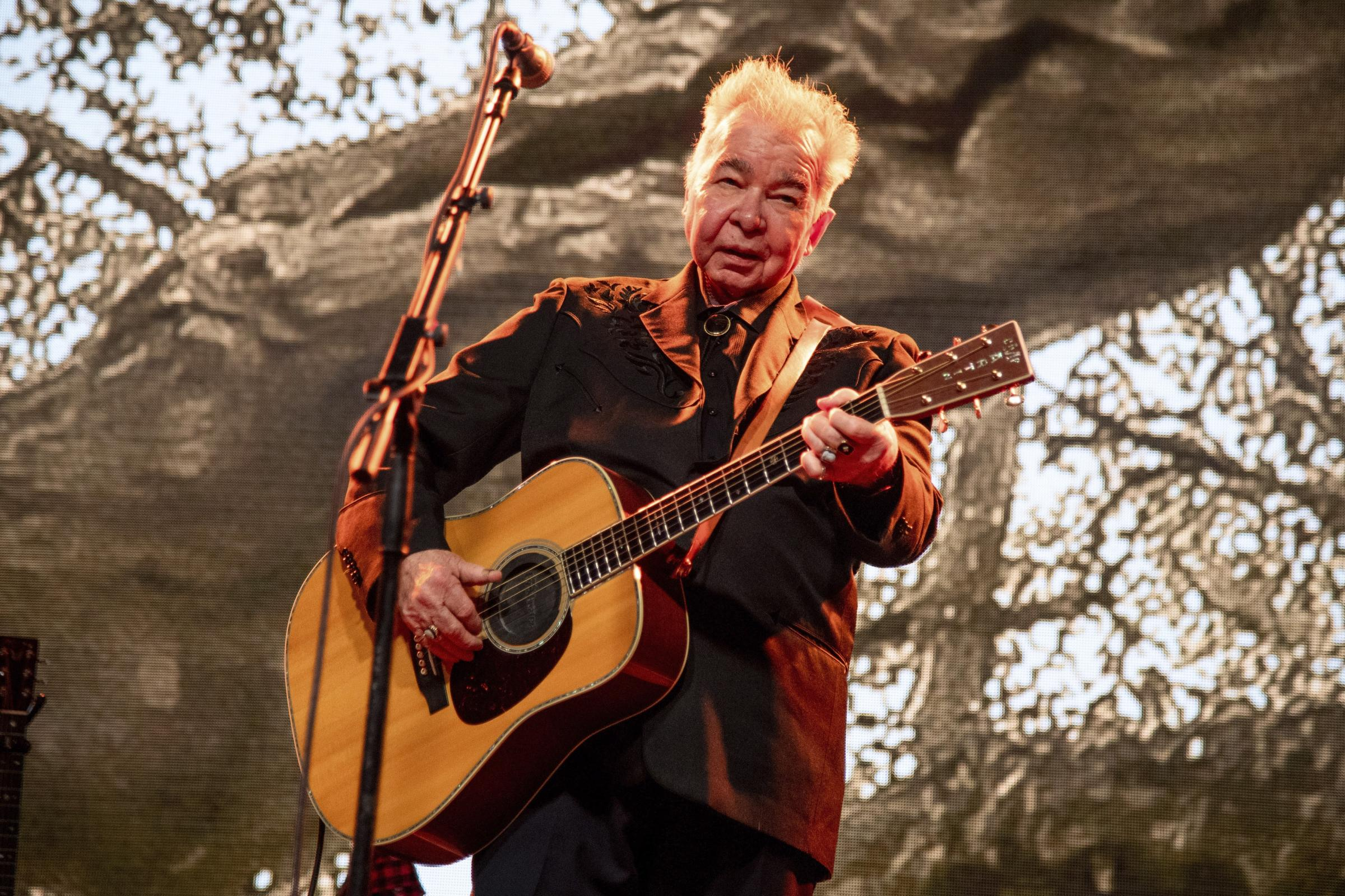 Singer John Prine in stable condition with Covid-19...