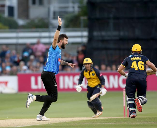 Reece Topley celebrates a wicket with Sussex. Picture by Stephen Lawrence/Sussex Cricket