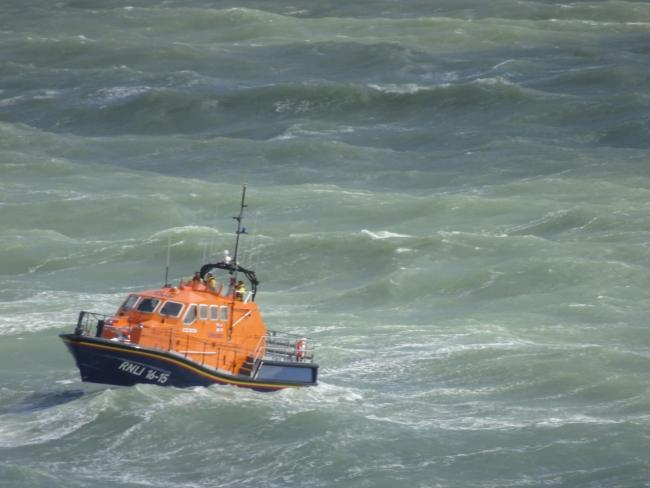 An RNLI lifeboat was launched last Sunday after a swimmer was swept out by strong currents in Brighton