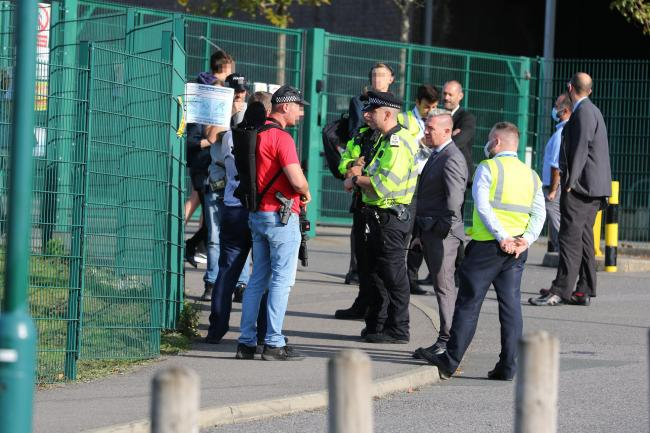 MAN SCENE WITH MACHETE ON BACA SCHOOL GROUNDS BRIGHTON - SCHOLL WAS ON LIOCKDOWN - LIVE ONGOING 16.43.