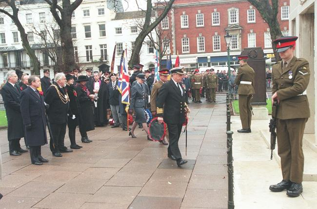 REMEMBRANCE SUNDAY AT BRIGHTON OLD STEINE..