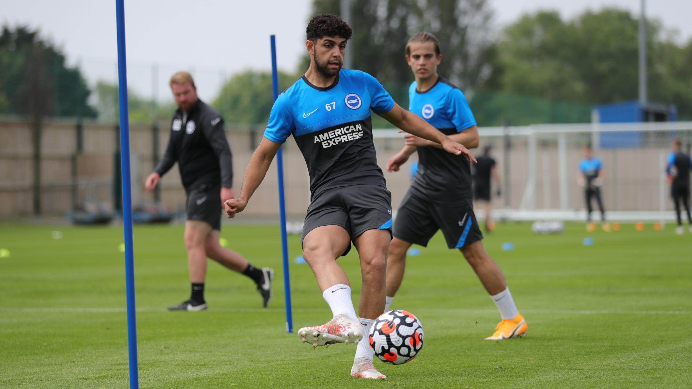 Brighton's Reda Khadra must wait for Blackburn loan