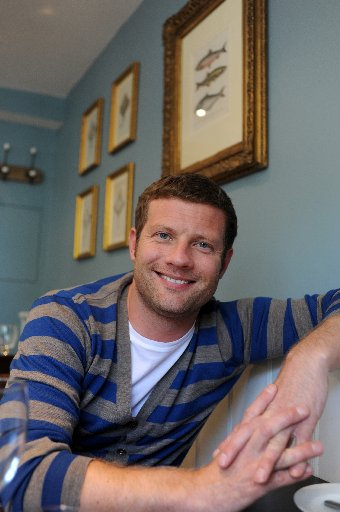 Dermot O'Leary pledges future to Brighton