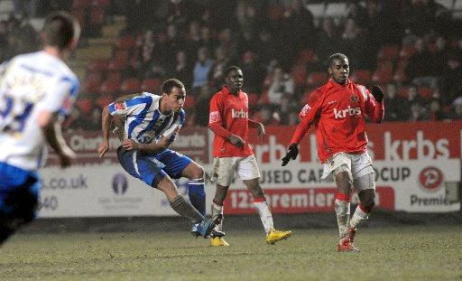 Elliott Bennett fires a brilliant winner at The Valley in 2009-10