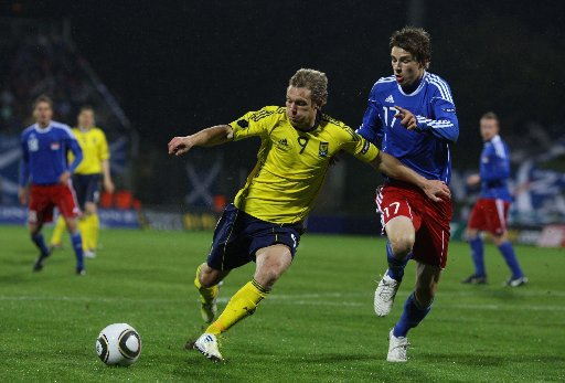 Craig Mackail-Smith in Scotland action