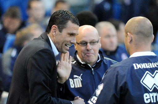 Gus Poyet could replace Brian McDermott at Reading