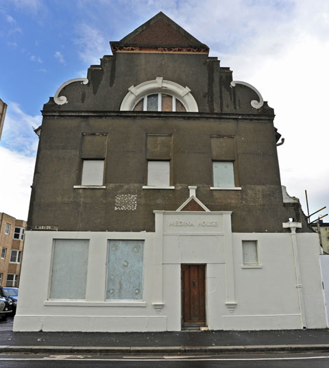 Developer claims it's 'not viable' to keep historic bath house in Brighton