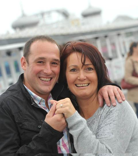Romantic takes to the Brighton skies to propose