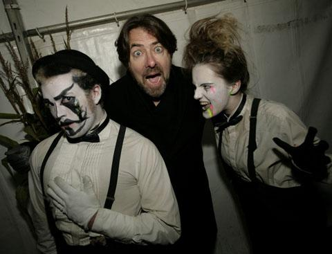 Jonathan Ross enjoys Shocktober at Crawley farm