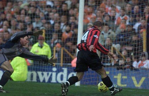Lee Steele scores for Albion in a 2-2 draw at Blackpool in December 2001