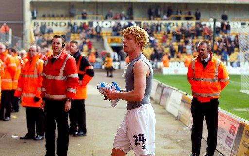 The Argus: Paul McShane says farewell to Albion's fans after defeat at Wolves in 2006