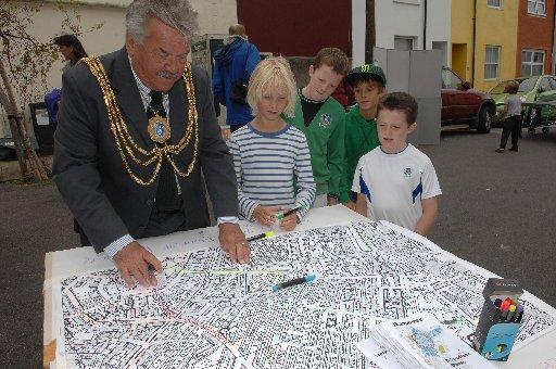 Brighton and Hove mayor Bill Randall pictured earlier this year with children from Grove Road