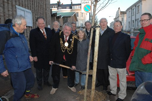 Mayor of Brighton and Hove Bill Randall plants a new treen in Montpelier Place