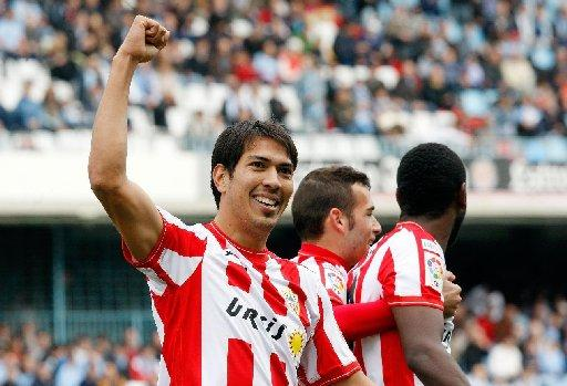 Leonardo Ulloa  has agreed terms with Albion