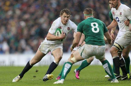 Billy Twelvetrees in action against Ireland
