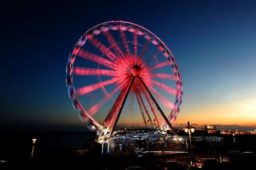 Brighton Wheel goes pink for Breast Cancer