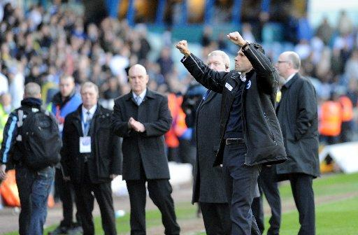 Gus Poyet salutes fans as Albion reach the play-offs