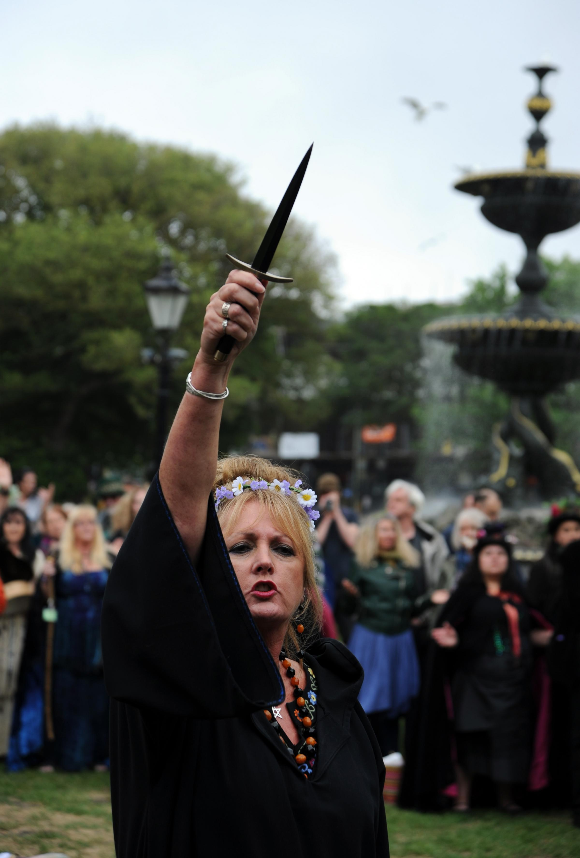 Witches descend on Brighton for plaque unveiling