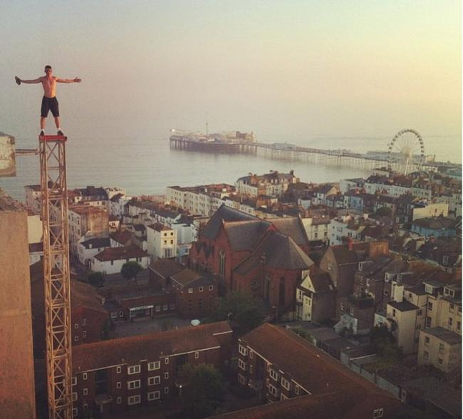 Height of stupidity of teens climbing Brighton buildings in dangerous craze