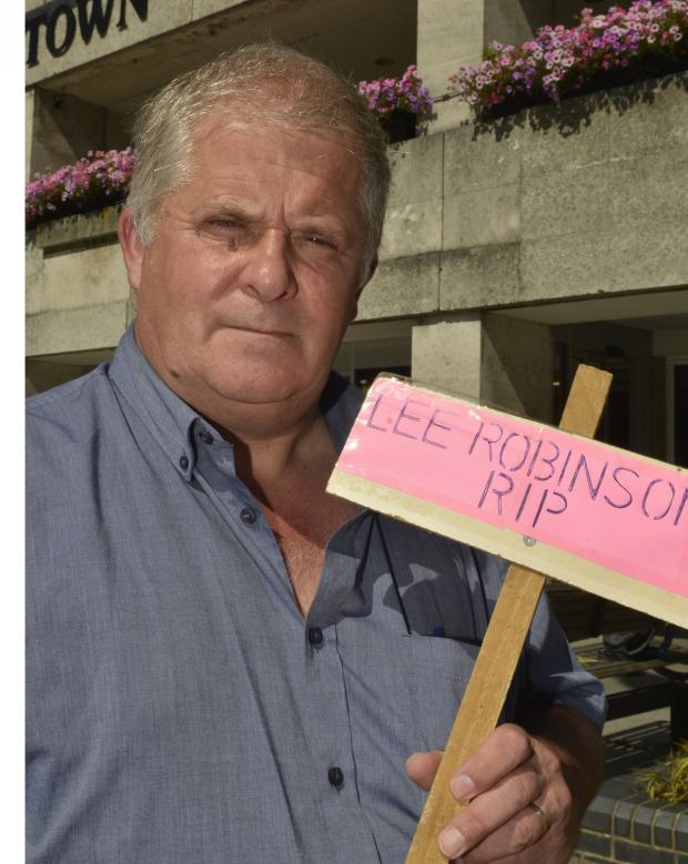 Crawley man killed himself after losing benefits
