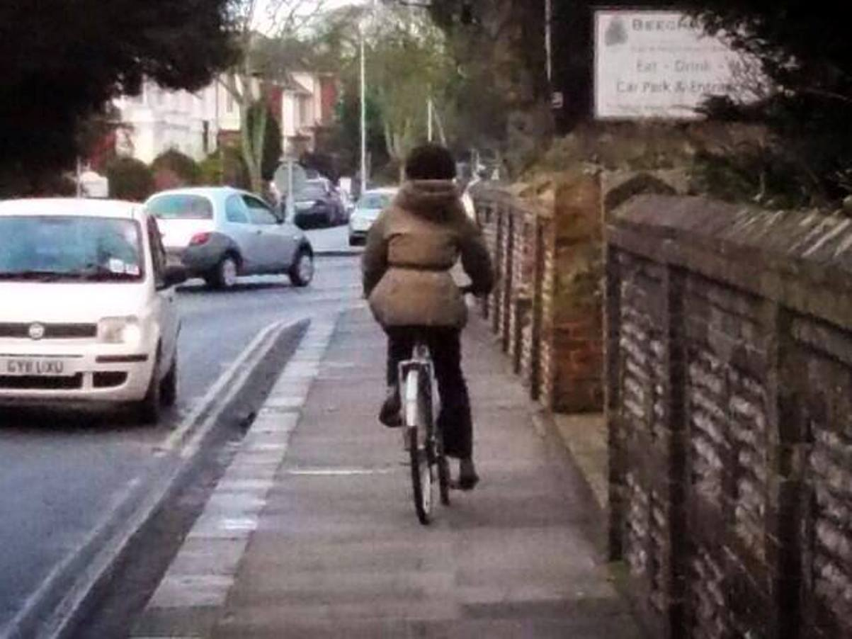"Cyclists hit back over ""shaming"" Facebook page"