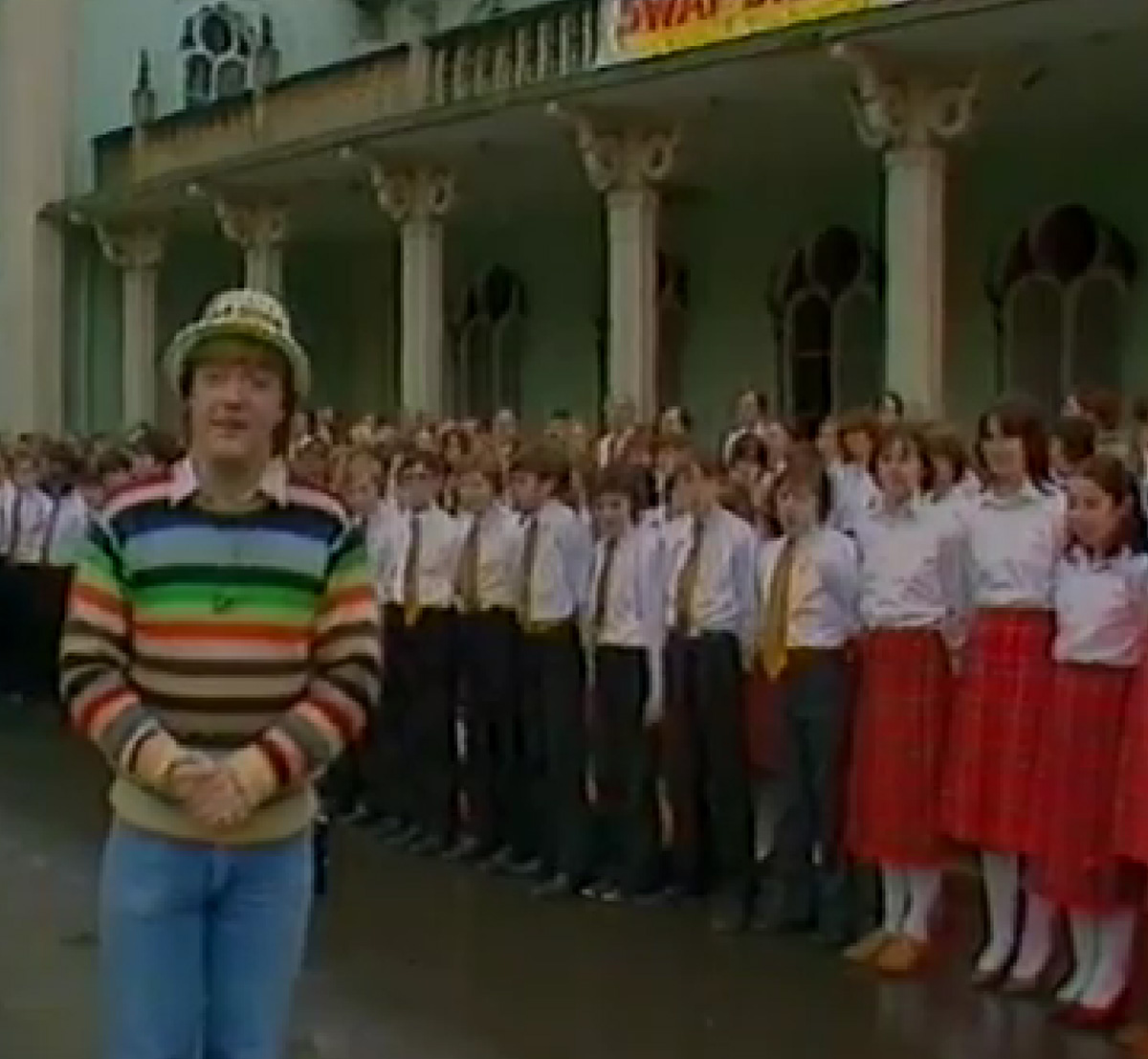 Cheggers at the Royal Pavilion for a Brighton broadcast of the Multicoloured Swap Shop