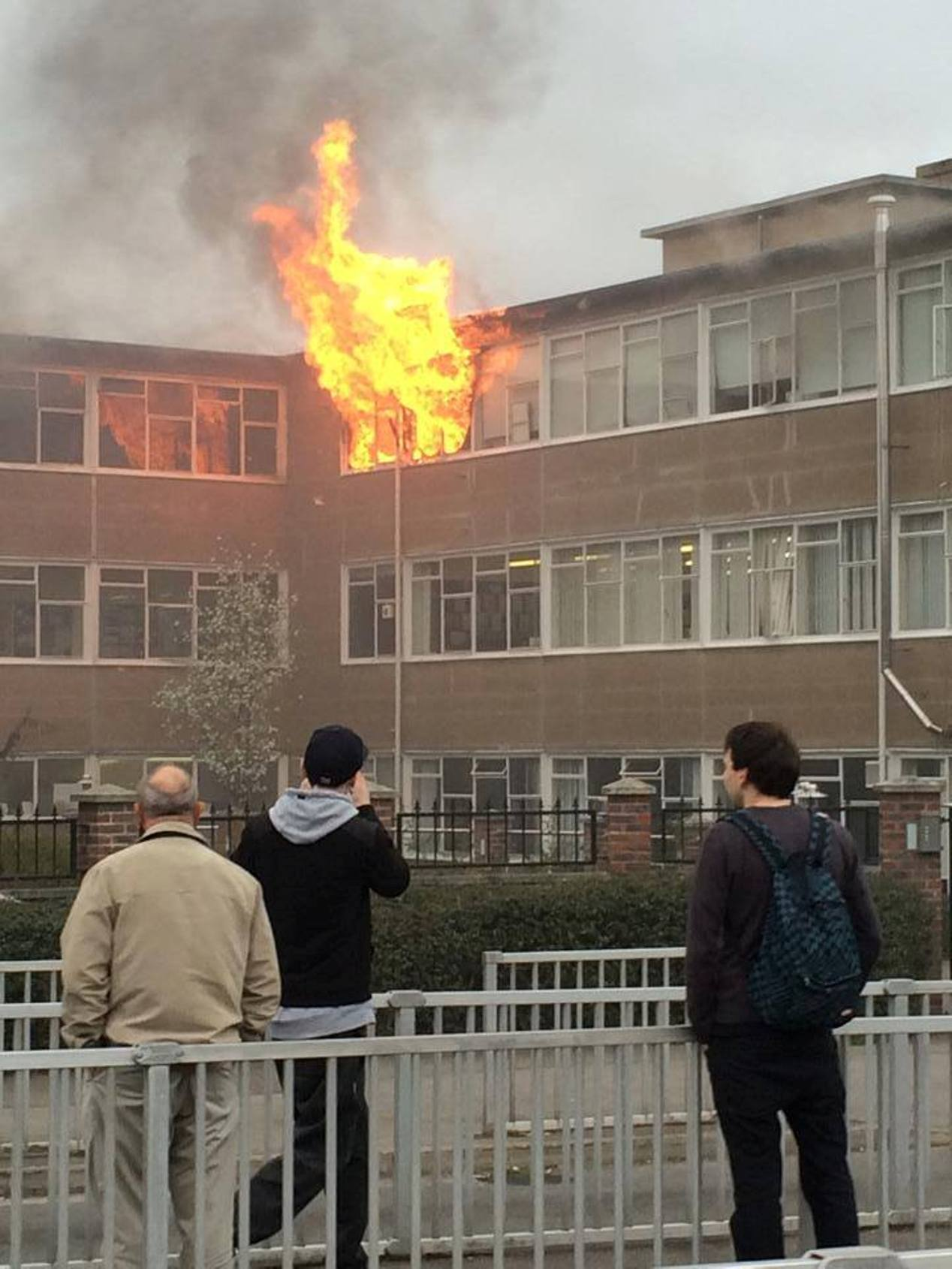 Picture of the fire at Millais School in Horsham by Alex Osuch