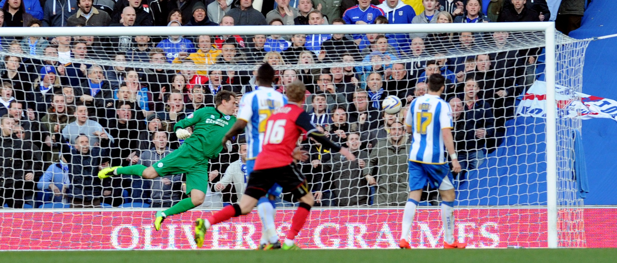 Tomasz Kuszczak is beaten by Daryl Murphy's header for the second goal