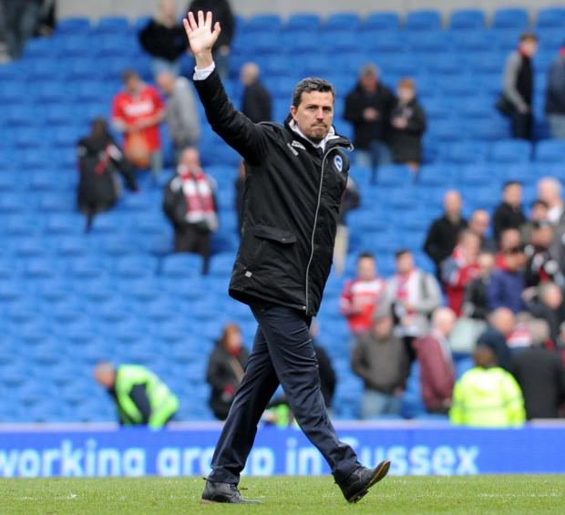 The Argus: Oscar Garcia thanks the fans after today's win
