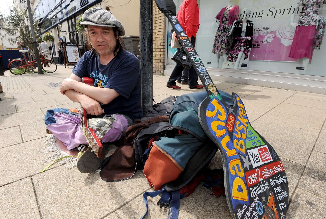 No free tap water, coffee chain tells busker