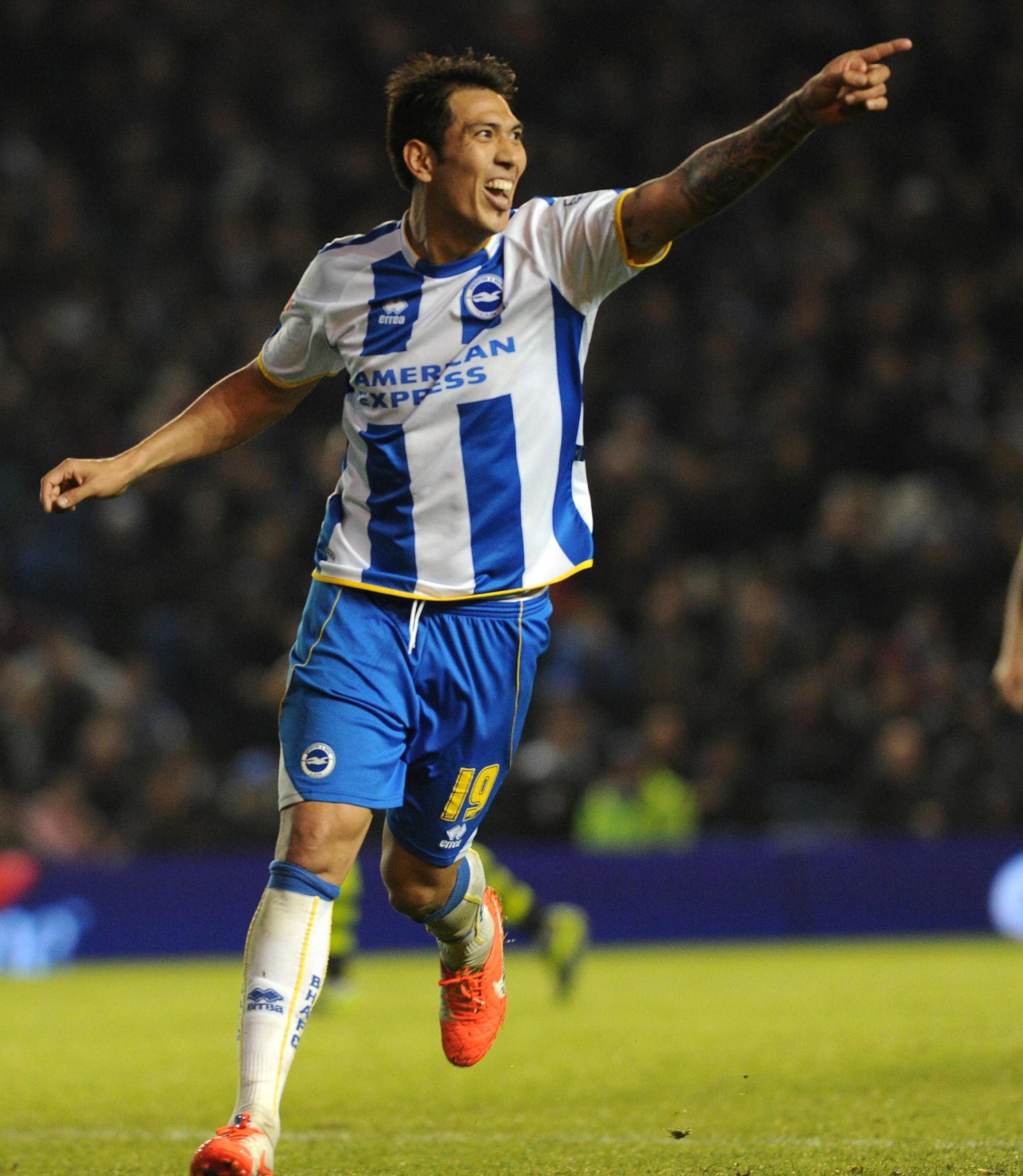 Leo Ulloa is understood to be a target of Premier League clubs