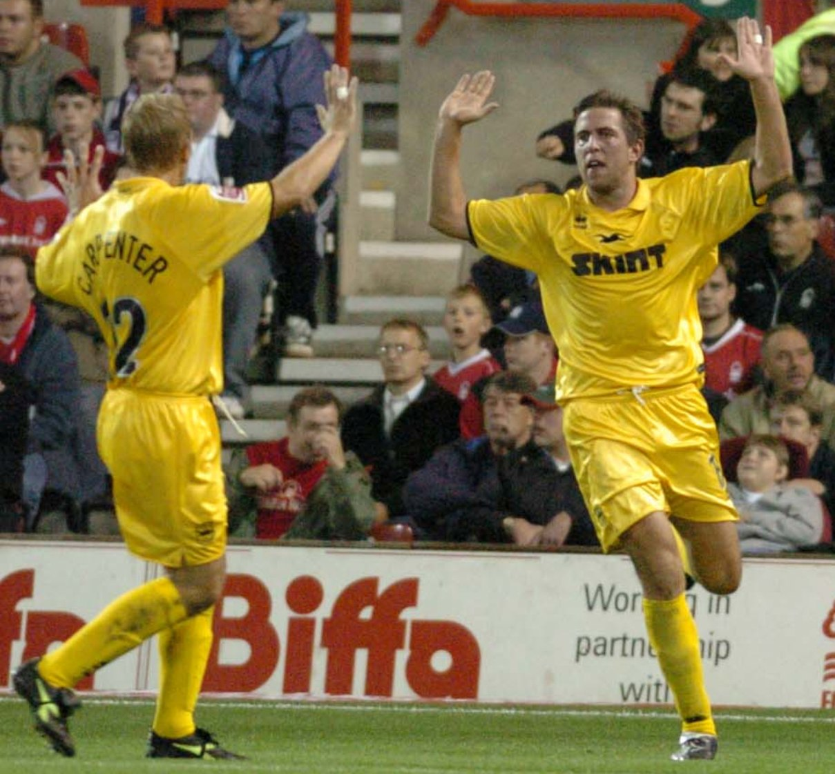 Adam Virgo celebrates his winner at Forest in 2004