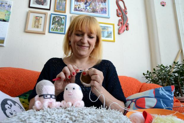 Knitting queen's pin cushion Michae