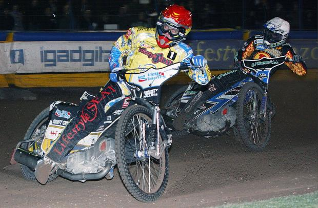 Bjarne Pedersen leads Danny King of Birmingham earlier this season