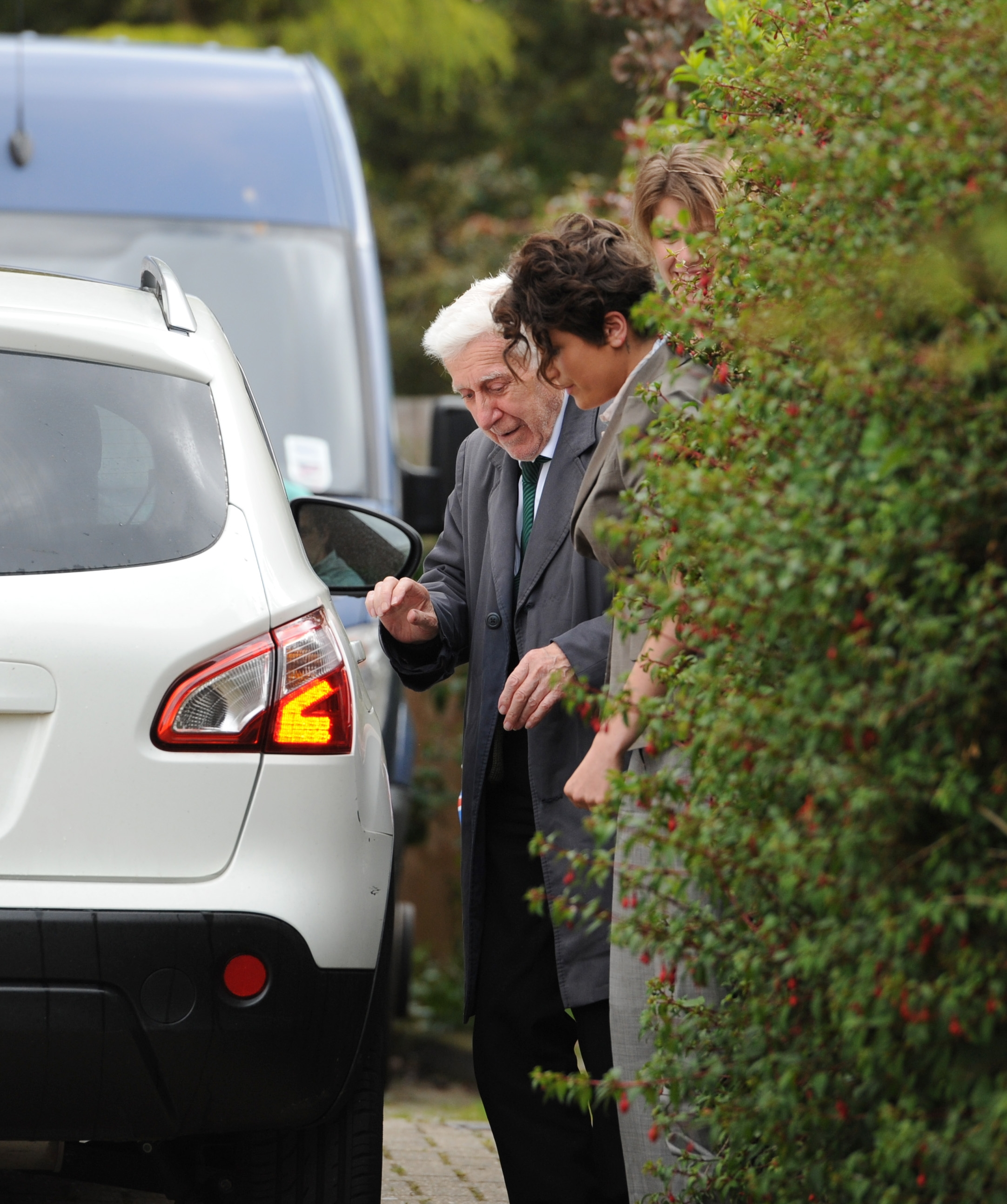 Great escape war veteran Bernard arrives home
