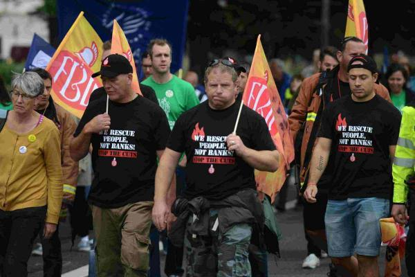 General strike pictured heading from Hove Town Hall to the Level