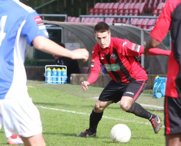Steve Brinkhurst has re-signed for Lewes