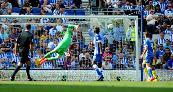 David Stockdale is beaten by Giles Coke's winning shot (photo Simon Dack)