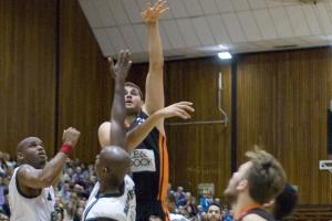 Sussex basketball: Thunder beat Dragons but lose Wilkins; United topple Bears