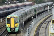 Southern Rail makes improved pay offer to drivers