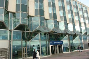 Man left with broken jaw after being attacked by two men outside Brighton seafront hotel