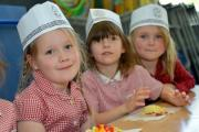 Hertford Infant School, Brighton..Pupils pizza making workshop..Photographer Tony Wood.TW11615D2.Reporter Gareth Davies. (28739737)