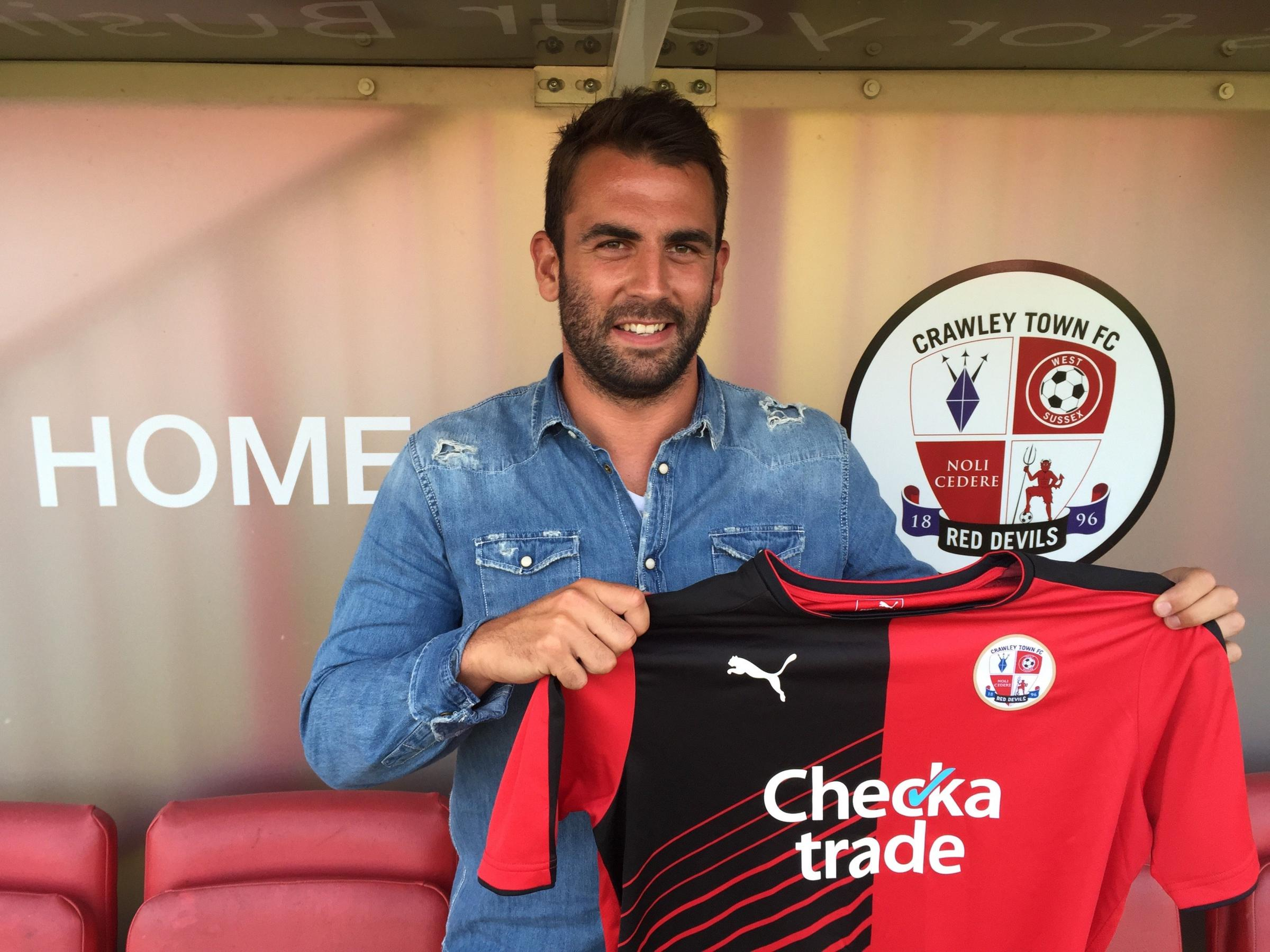 Simon Walton has signed for Crawley Town
